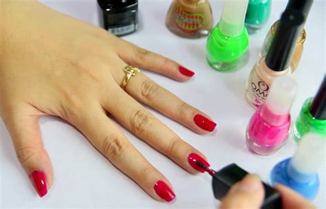 How To Choose Nail Polish Colour That Suits You