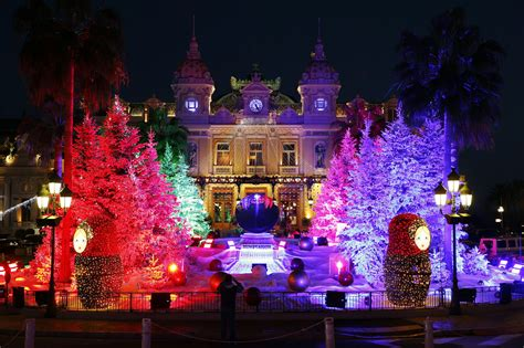 O Christmas Lights! Spectacular Illuminations In Toronto