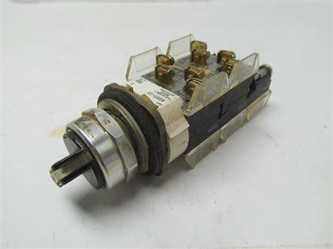 Allen Bradley 800tj2 3 Pos Selector Switch Maintained W4 800txa&(1) 800txd6
