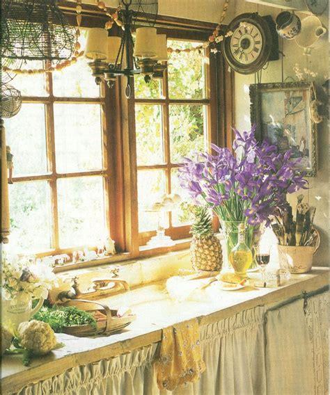 25+ Best Ideas About English Cottage Kitchens On Pinterest