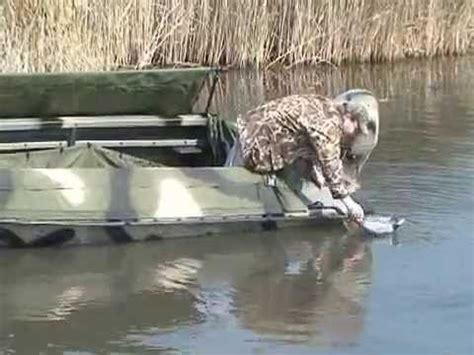 Duck Hunting Without Boat by Duck Boats Duck Hunting Bankes Boats 14 Dominator Youtube