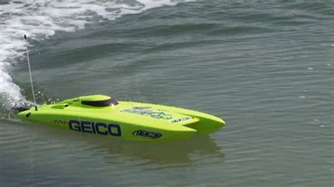 Boat Racing Videos by Rc Electric Speed Boat Miss Geico From Proboat Bu