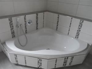 Eckbadewanne Fliesen Bilder : referenzen moderne badezimmer gestalten im raum main spessart ~ Markanthonyermac.com Haus und Dekorationen