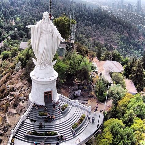 Virgen Del Cerro San Cristobal En El Parque Metropolitano