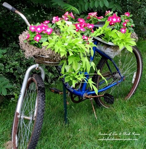 25 Fun Loving Garden Art Ideas By Upcycling Household