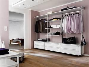 Begehbarer Schrank System : eins f r alles begehbarer kleiderschrank garderobe wandregal planungswelten ~ Markanthonyermac.com Haus und Dekorationen