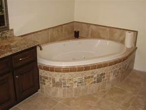 Eckbadewanne Fliesen Bilder : badewanne einfliesen badewanne einbauen und verkleiden bad pinterest wanne badezimmer ~ Markanthonyermac.com Haus und Dekorationen