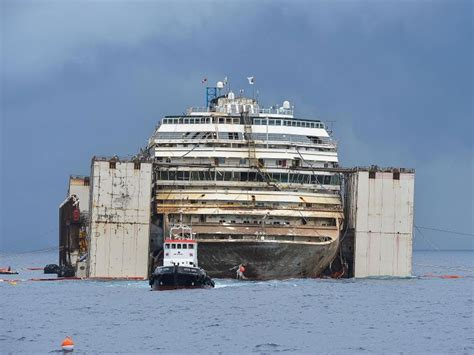 Schip Concordia by Costa Concordia Captain Sentenced To 16 Years In Jail