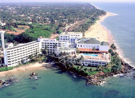 Catamaran Beach Hotel Mount Lavinia by Sri Lanka 1978 May 2 Ben Oostdam