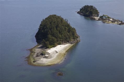 Boat Launch Salt Spring Island by Lunch Cruise Tours Salt Spring Tours Salt Spring