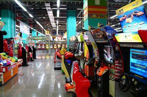 tgs 2013 a quoi ressemble une salle d arcade au japon salons