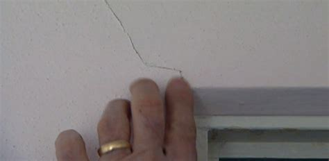 do cracks in walls indicate a structural problem today