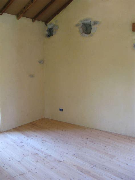 enduits chaux int 233 rieur sur mur anciens de finitions bois ou enduits de eco2scop http www