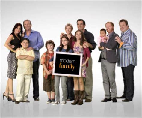 modern family tv show premieres in australia follow the money