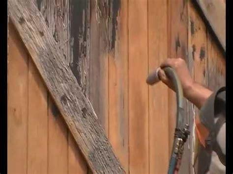 decapage sablage aerogommage d un portail en bois exotique