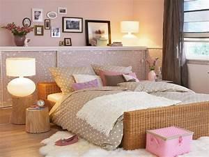 Schlafzimmer Romantisch Gestalten : wandgestaltung im schlafzimmer ~ Markanthonyermac.com Haus und Dekorationen