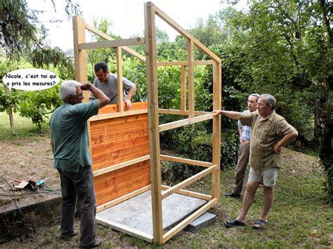 la construction des toilettes seches au jardin terra botanica thouars