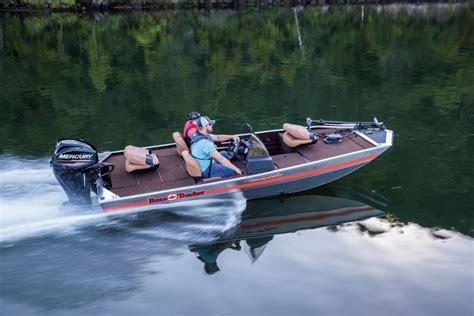 Bass Tracker Boat Videos by Tracker Boats Bass Panfish Boats 2018 Bass Tracker