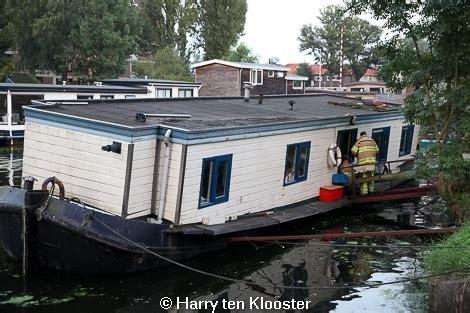 Woonboot Almelose Kanaal Zwolle by Bewoner Woonboot Komt Met De Schrik Vrij Weblog Zwolle