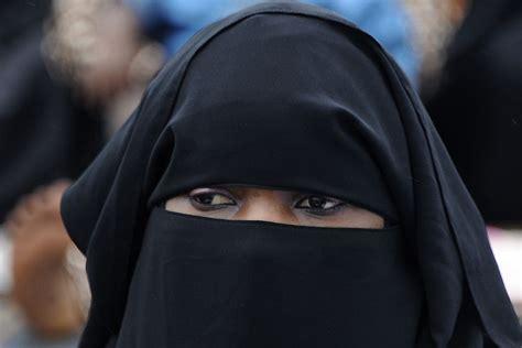 cameroun l interdiction du port de la burqa 233 tendue