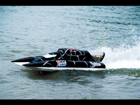 Rc Gas Powered Boats Youtube by Super Yacht Gp 26cc Gas Powered Rc Boat Youtube