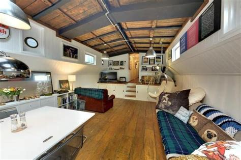 House Boats For Sale London by Highbridge Road 3 Bedroom House Boat For Sale Ig11