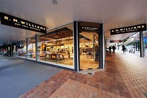 RM Williams Wellington | Dimension Shopfitters