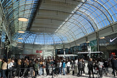 ouverture de l extension du centre commercial val d europe ville de serris