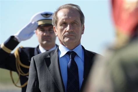 le ministre de la d 233 fense g 233 rard longuet entame une visite en afghanistan l express