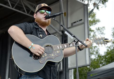 Luke Combs Extends Don't Tempt Me With A Good Time Tour