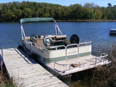 Little Pontoon Boat by Pontoon Boat Motor Rentals At Wilderness Bay Resort On