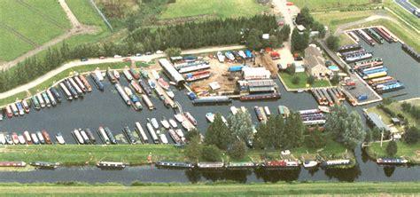 Party Boat Hire Milton Keynes by Fox Narrowboats Narrowboat Holidays Day Boat Hire Uk