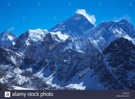 landscape view mount everest himalayas mountain range peak stock photo royalty free image