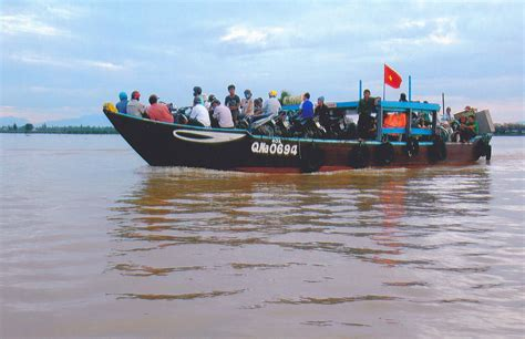 People On A Boat by File Boat With A Lot Of People Vietnam Jpg Wikimedia Commons