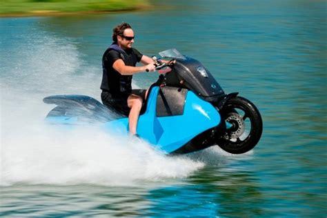 Motor Waterscooter by De Biski Motorscooter En Waterscooter In 1 Bikerbook