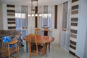 Schöne Vorhänge Wohnzimmer : braun beige schiebegardine in eckform f rs wohnzimmer ~ Markanthonyermac.com Haus und Dekorationen