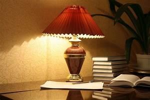 Lampenschirm Basteln Einfach : lampenschirm falten anleitung in 5 schritten ~ Markanthonyermac.com Haus und Dekorationen