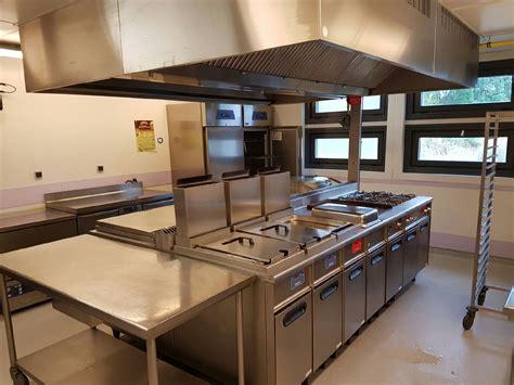 nettoyage et d 233 graissage de hotte professionnelle dans une cuisine de restaurant 224 salon de