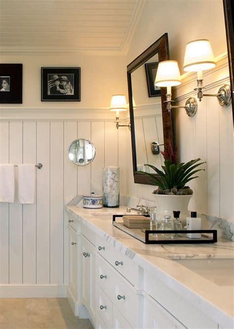 White Bathroom, Beadboard  I N T E R I O R  Pinterest