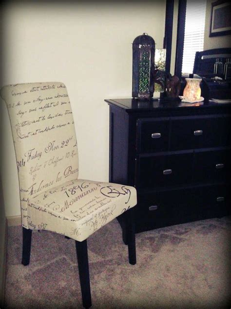 accent chairs and chairs on