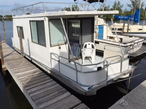 Catamaran Houseboat For Sale by Catamaran Cruisers Lil Hobo Boats For Sale