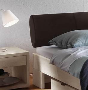 Bett Mit Gepolstertem Kopfteil : bettgestell aus wildeiche mit kopfteil aus kunstleder prato ~ Markanthonyermac.com Haus und Dekorationen