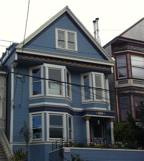 c est une maison bleue