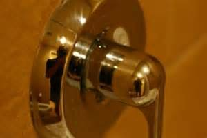 leaking bathtub faucet single handle delta how to fix a leaky bathtub faucet single handle 171 bathroom