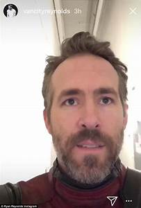 Ryan Reynolds walks down the 'scariest hallway ever ...