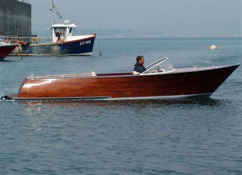 Speedboot Inboard inboard runabout classic classic motor boat 21