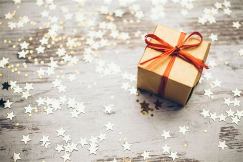 Top 10 Gift Ideas For Your Event Colleagues Mattress Donation Denver Big Lots King Size Discount Sleep Number Only Sleeping On Floor Bi Fold Futon Kingsdown Bed Bug Blocker Zippered Protector