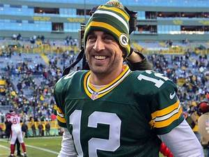 Aaron Rodgers signs five-year extension worth $110M