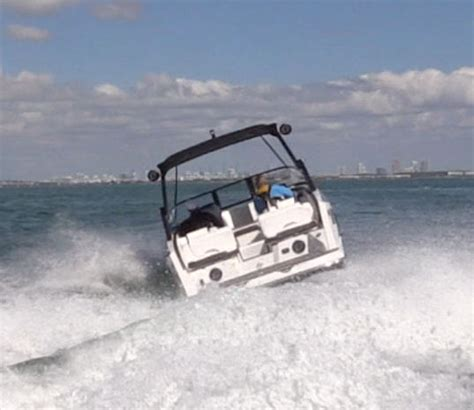 Scarab Wake Boat Reviews by Scarab 255 Id 2016 2016 Reviews Performance Compare