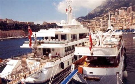 Boat Yacht Captain Jobs by Yacht Crew Jobs Captain Jobs From Crewfinders